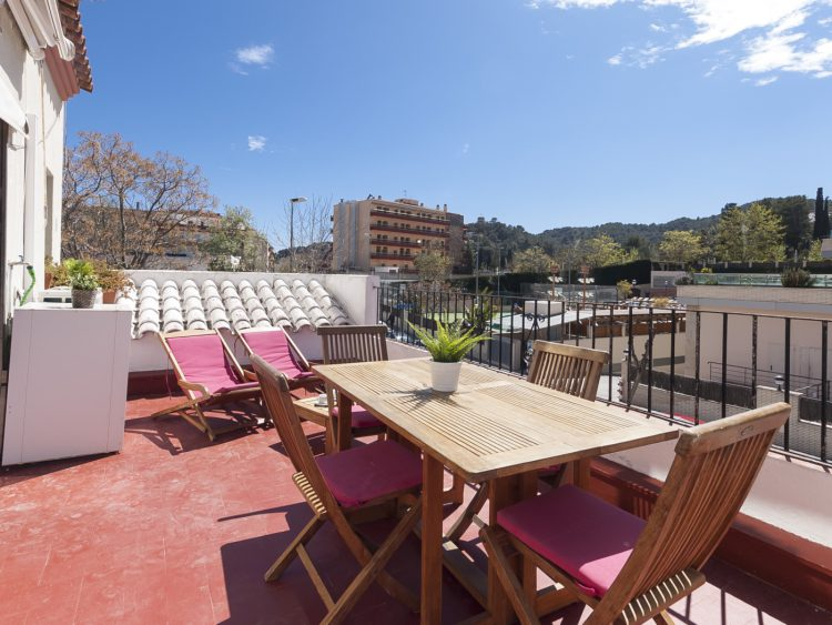 NICE APARTMENT with TERRACE in TOSSA