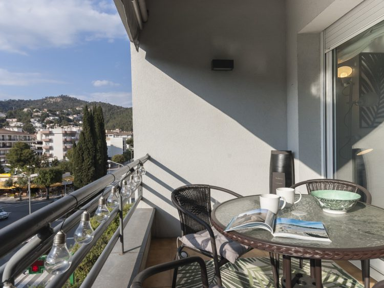 APARTMENT close to the COMMERCIAL AREA of TOSSA 2
