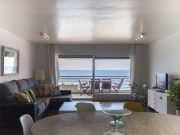 Foto APARTMENT SEA VIEWS ON THE BEACH 4